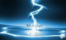 Отвечаем на вопрос: проводит ли электрический ток дистиллированная вода?