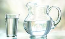 Каковы правильные условия хранения кипяченой воды и допускается ли ее использование по истечении срока?