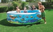 Отличительные особенности, правила выбора и обзор средств против цветения воды в детских бассейнах