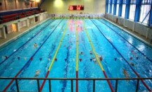 Каковы размеры олимпийского бассейна, сколько литров воды он вмещает?