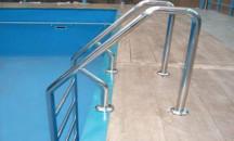 Что необходимо знать при установке лестницы в бассейн?