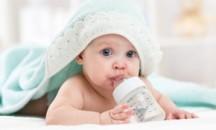 Вопрос доктору: сколько воды должен выпивать новорожденный?