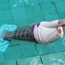 Обзор ручных пылесосов для бассейна: описание и характеристики, стоимость, мнения владельцев