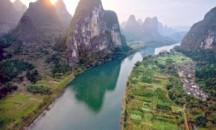 Где берет начало исток, куда впадает река Янцзы?