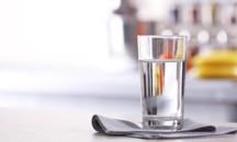 Подробно о том, какую воду надо пить утром натощак — сырую или кипяченую?