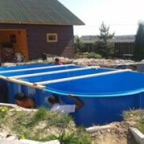 На что следует обратить внимание и как произвести монтаж бассейна из полипропилена?