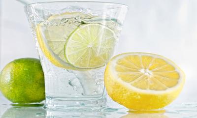Как вода с лимоном помогает при похудении