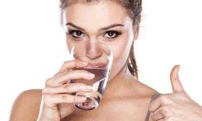Польза воды для человека, ее влияние на организм и питьевой режим
