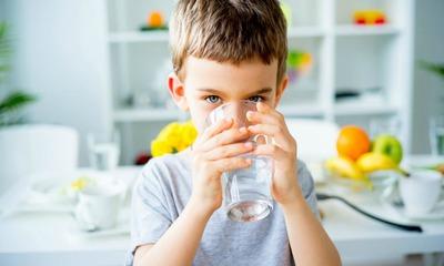 Сколько ребенку 1 год можно воды в день