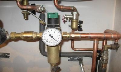 Как установить редуктор давления воды в системе водоснабжения своими руками